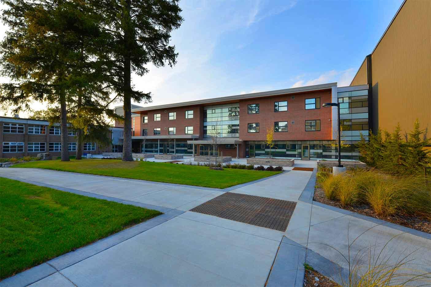 W. Ross Macdonald School - Senior Deaf-Blind Residence